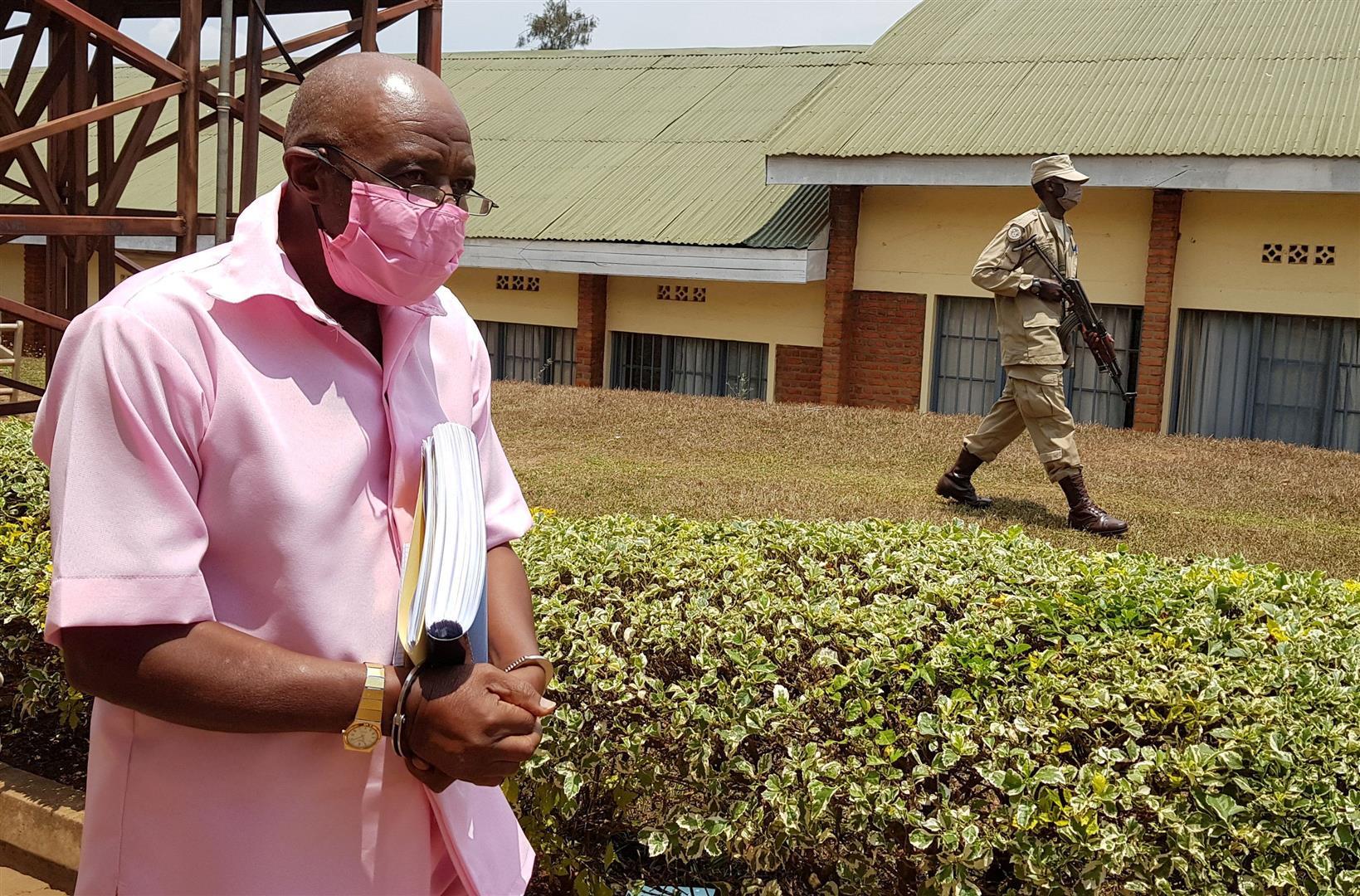 הנפילה: מאגדה הוליוודית למאסר עולם ברואנדה
