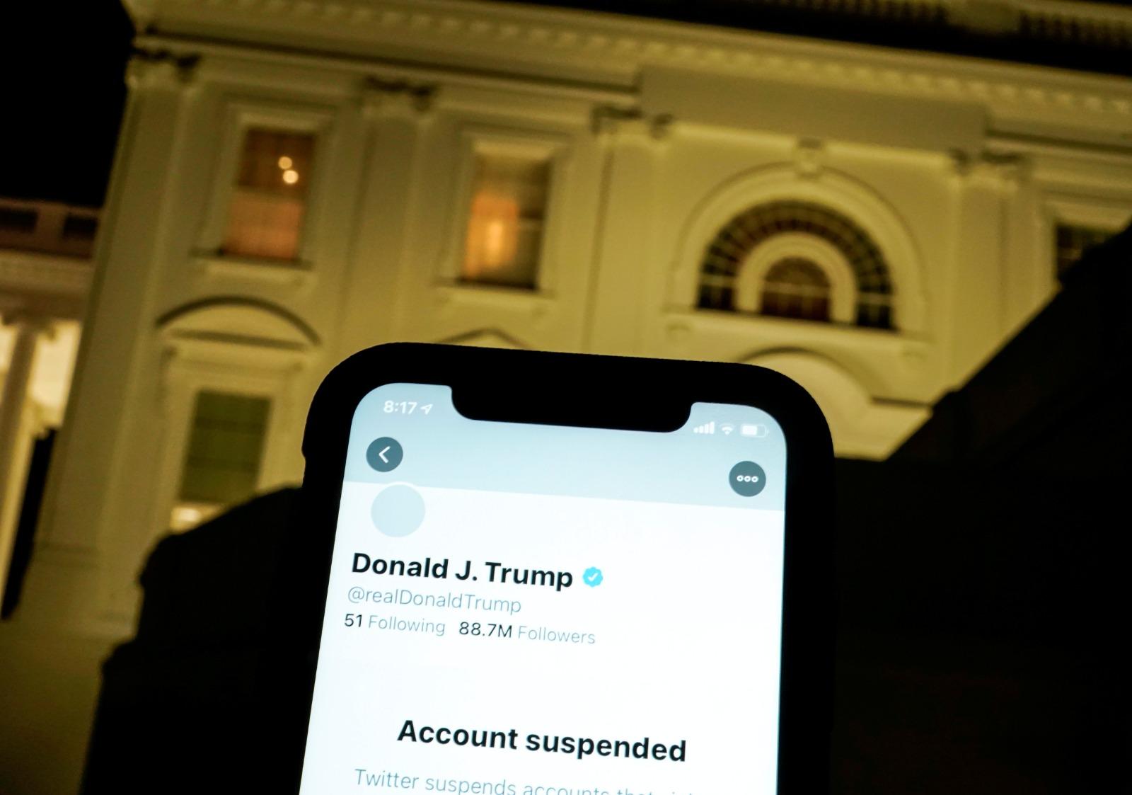 בחסות החקיקה בפלורידה: טראמפ דורש את הטוויטר שלו מיד