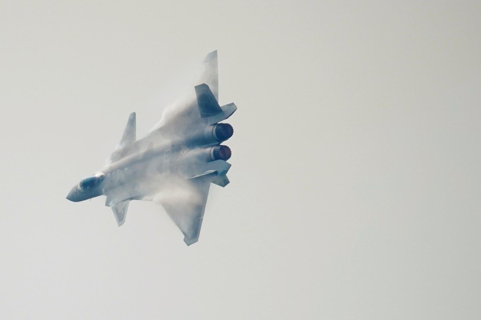 מתיחות במזרח הרחוק: מטוסי קרב סיניים בשמי טיוואן